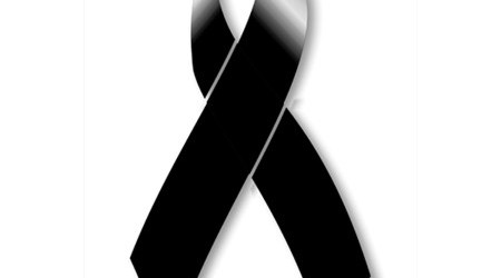Sabemos que en estos momentos ninguna palabra es suficiente, sin embargo, con profundo pesar envio mis condolencias a su familia...